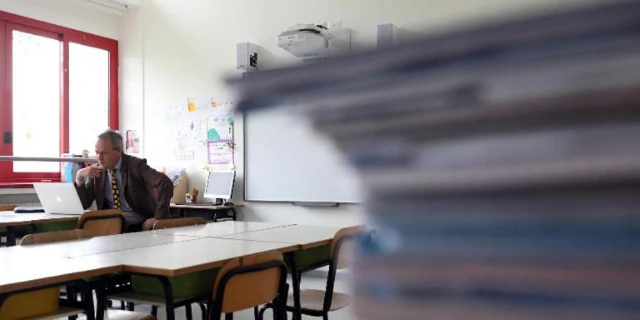 Visiere e plexiglass per far ripartire la scuola a settembre